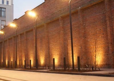 Oświetlenie elewacji kamienicy, oprawy dogruntowe