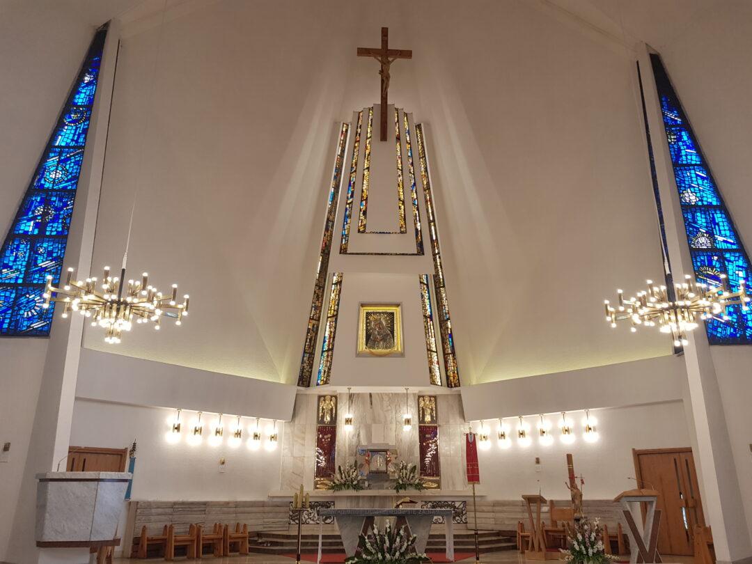 Oświetlenie Ołtarza w Kościele