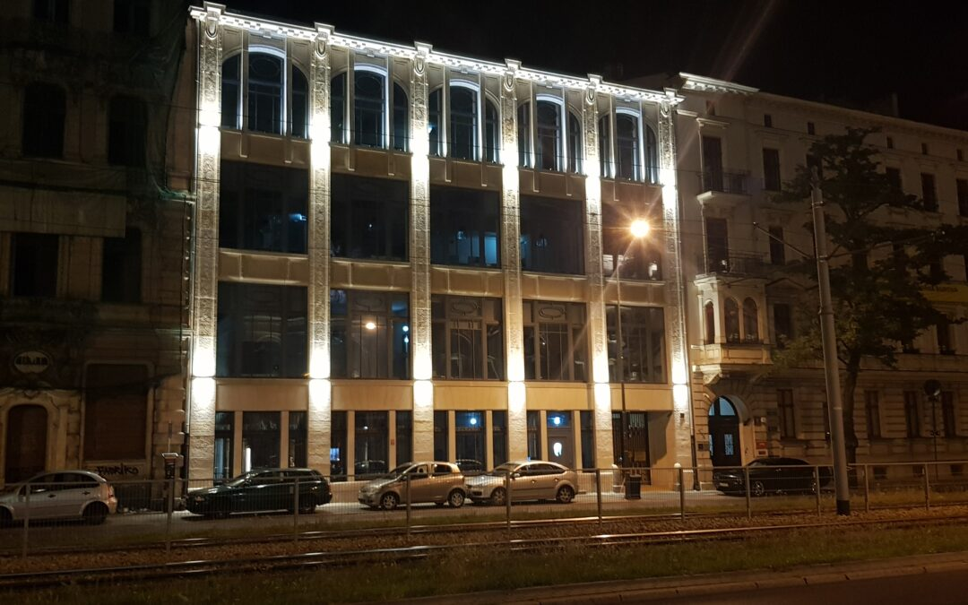 Iluminacja zabytkowej kamienicy oprawami Smartlight